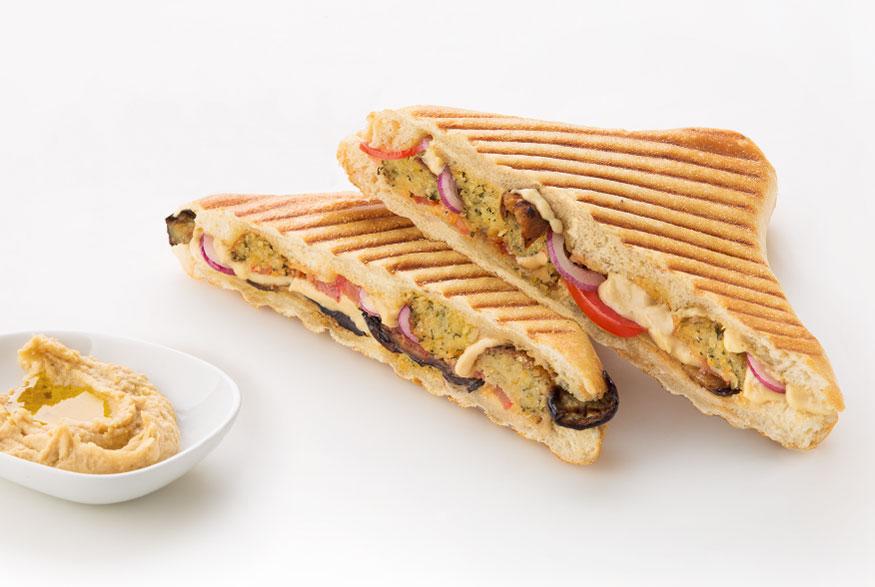 Hummus Panini aus der ibis Hotels snacks & drinks Speisekarte
